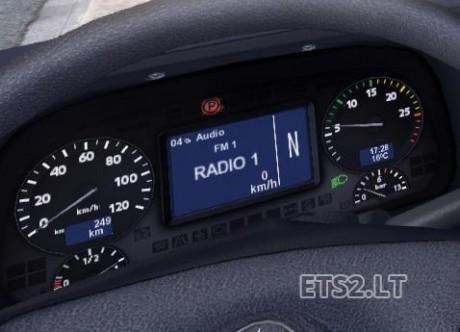 Mercedes-Actros-Display-1
