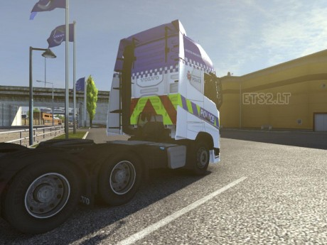 Volvo-FH-2012-Greater-Manchester-Police-Skin-2