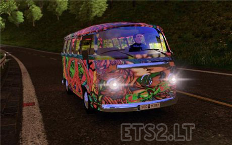 AI-Traffic-VW-T2-Hippie-Mobile-1