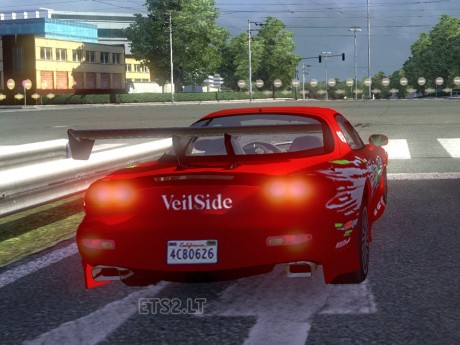 AI-Traffic-Mazda-RX-7-2