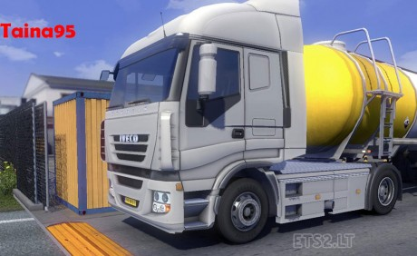 Iveco-Stralis-Low-Deck-Chassis-1