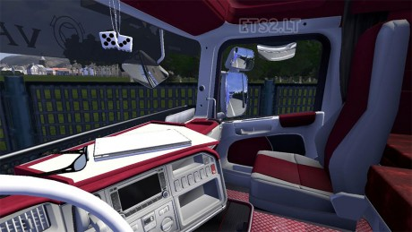 red-interiors