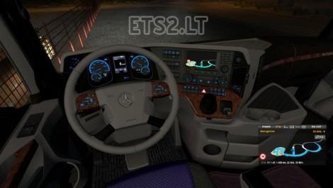 MP4 Interior (3)