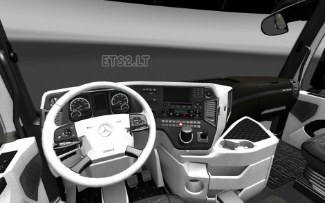 Mercedes Actros MP4 2014 Interior-2