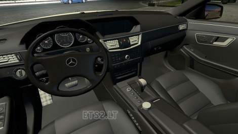 Mercedes E63 AMG-2