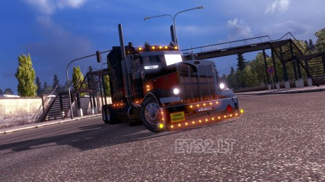 Modified Peterbilt 389 (1)