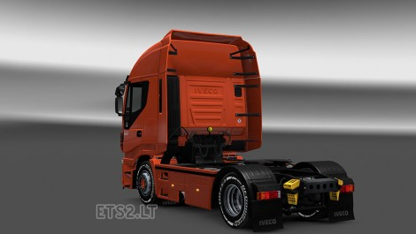 Iveco-Stralis-Hi-Way-Interior-2