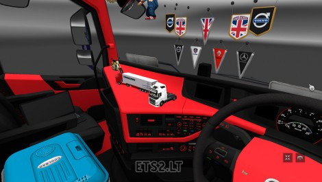 red-and-black-Interior-1