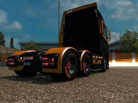 Black-and-Orange-3