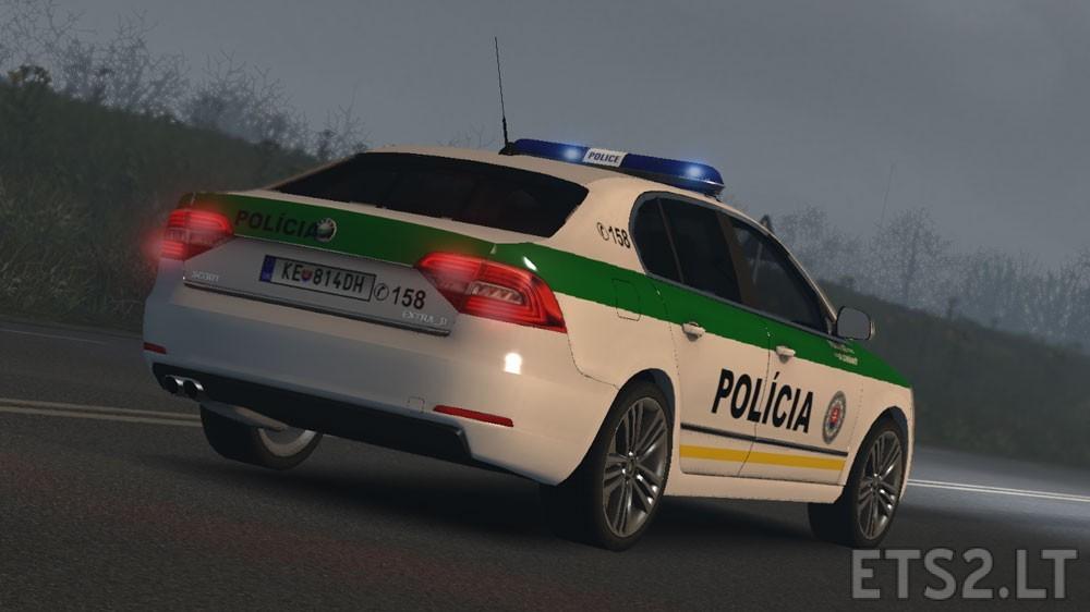 Skoda-Superb-SVK-Police-2