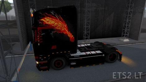 Maca-Bey-Fiery-Feather-2