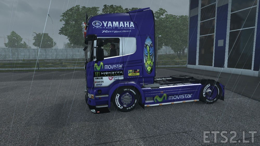 Movistar-Yamaha-1