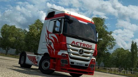 white-red-actros