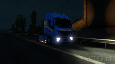Iveco-V8-Engine-2