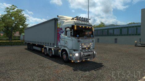 krone-white-trailer-1
